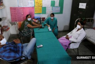 Vaccine hesitancy, lack of coordination and communication gaps keeps workers away:Only 852 construction workers get vaccinated on Day 1 in Punjab