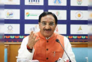Ramesh Pokhriyal to hold virtual meeting with all state education secretaries today - Times of India