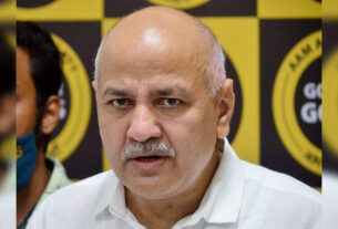 Sisodia reviews pilot project by school students under Entrepreneurship Mindset Curriculum - Times of India