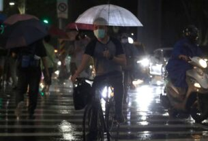 Shanghai cancels flights as China braces for Typhoon In-fa