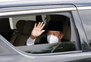 Malaysian Prime Minister resigns after failing to get majority support