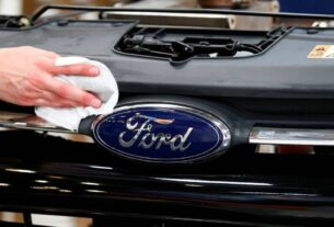 Ford's abrupt exit leaves dealers jittery, their employees in lurch