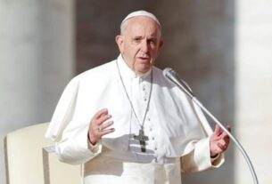 Pope Francis criticises imposition of democracy