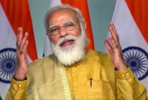 Take up campaign to impart info on climate change to farmers: PM