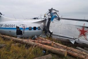 At least 16 killed as Russian plane crashes in Tatarstan region