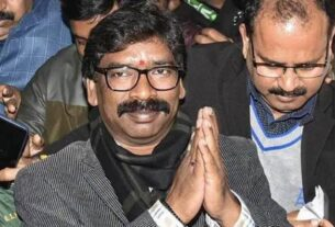 Jharkhand CM Hemant Soren asks officers to promptly deliver basic services to vulnerable people